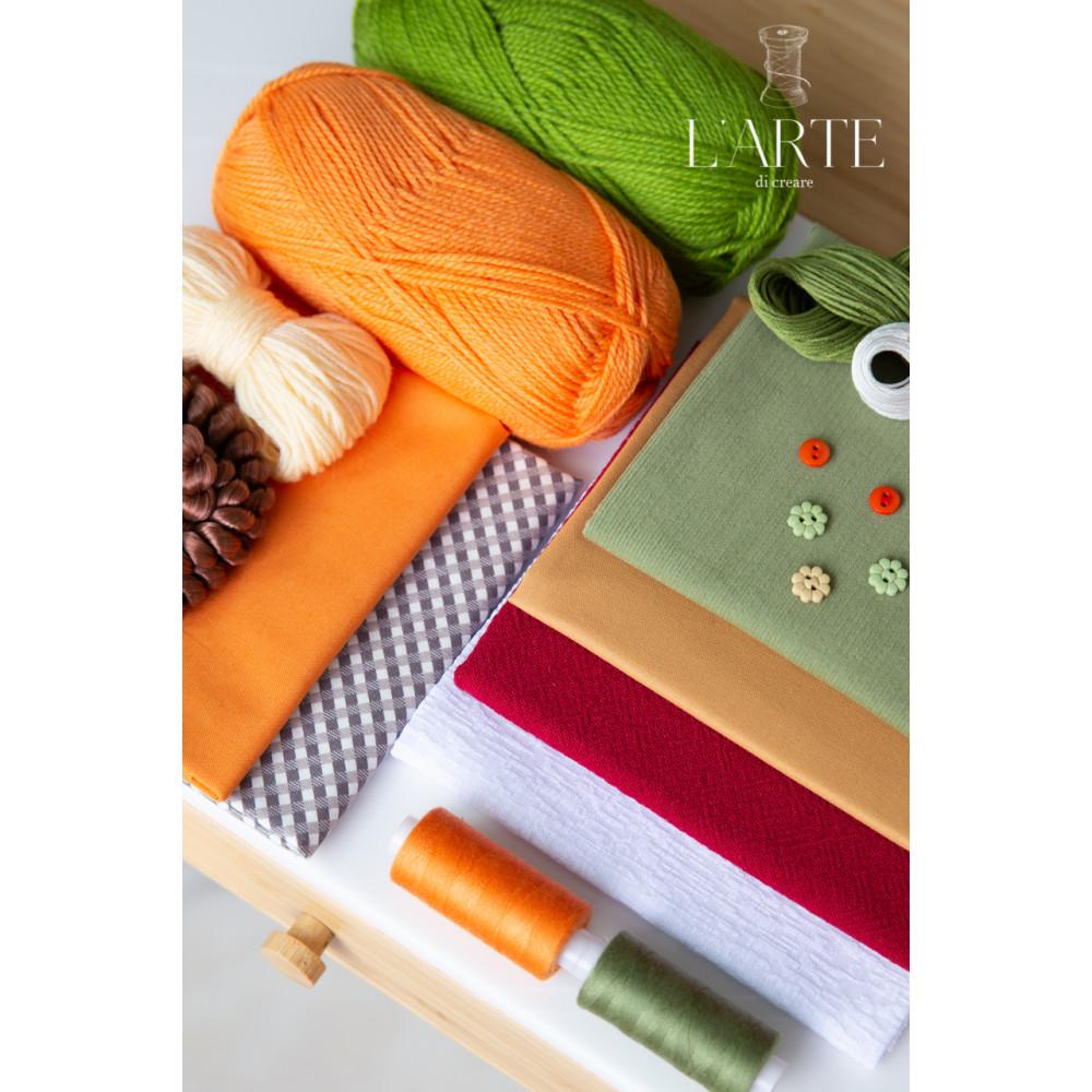 Парочка (Мальчик в вязанном свитере и Девочка с бантом)